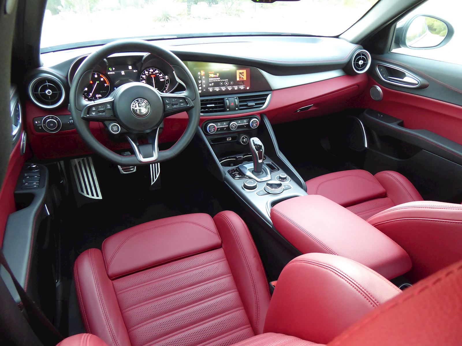 2020 Alfa Romeo Giulia dashboard interior view