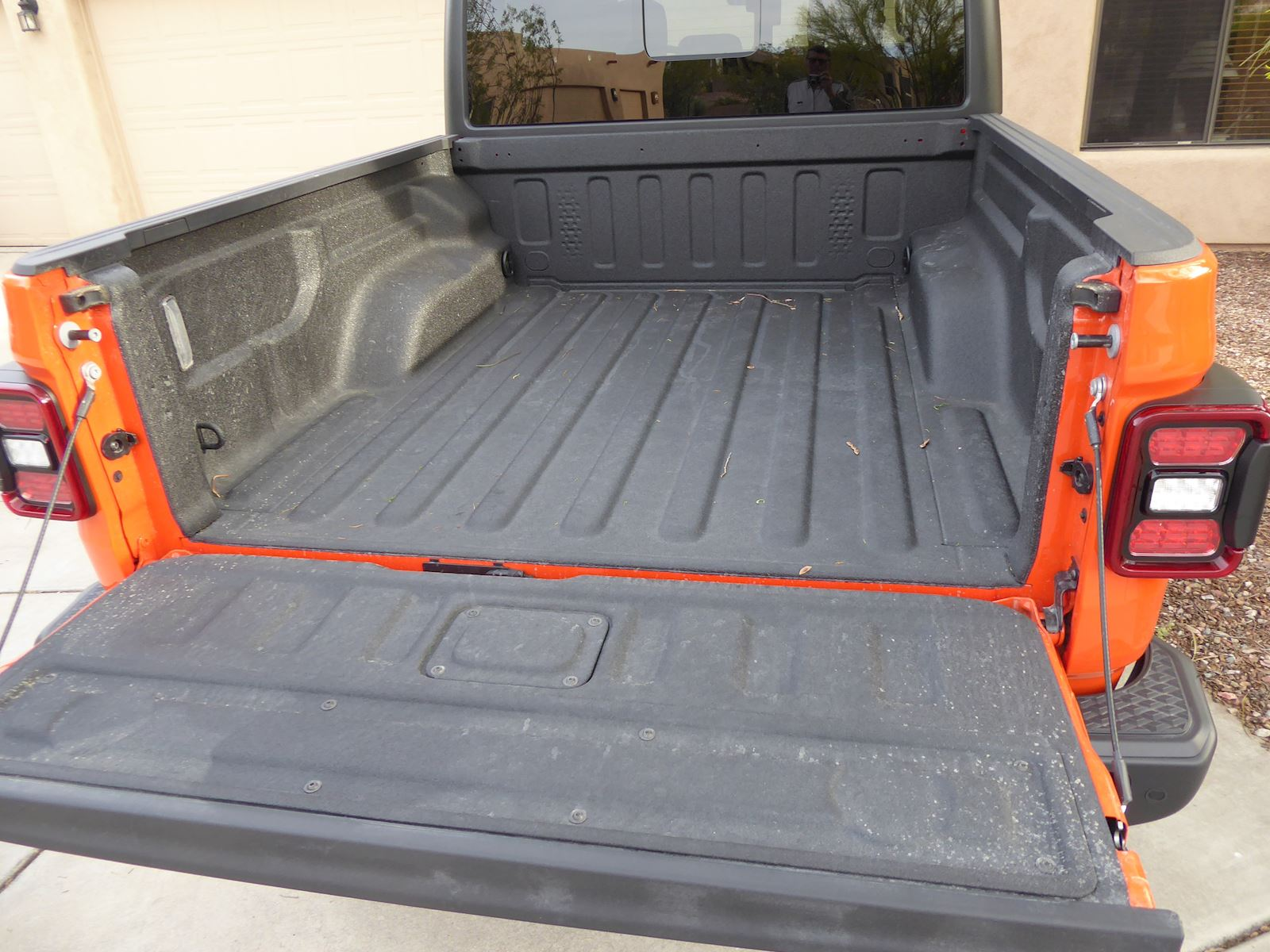 2020 Jeep Gladiator Mojave 5-foot cargo bed