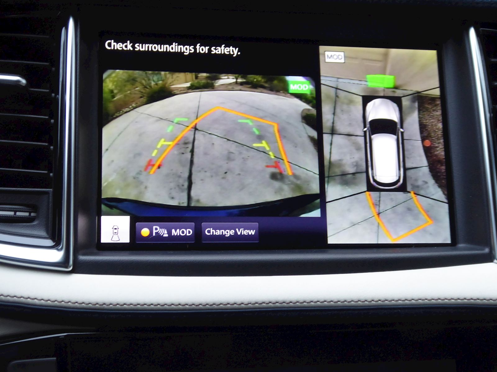 2020 Infiniti QX50 backup camera for safety