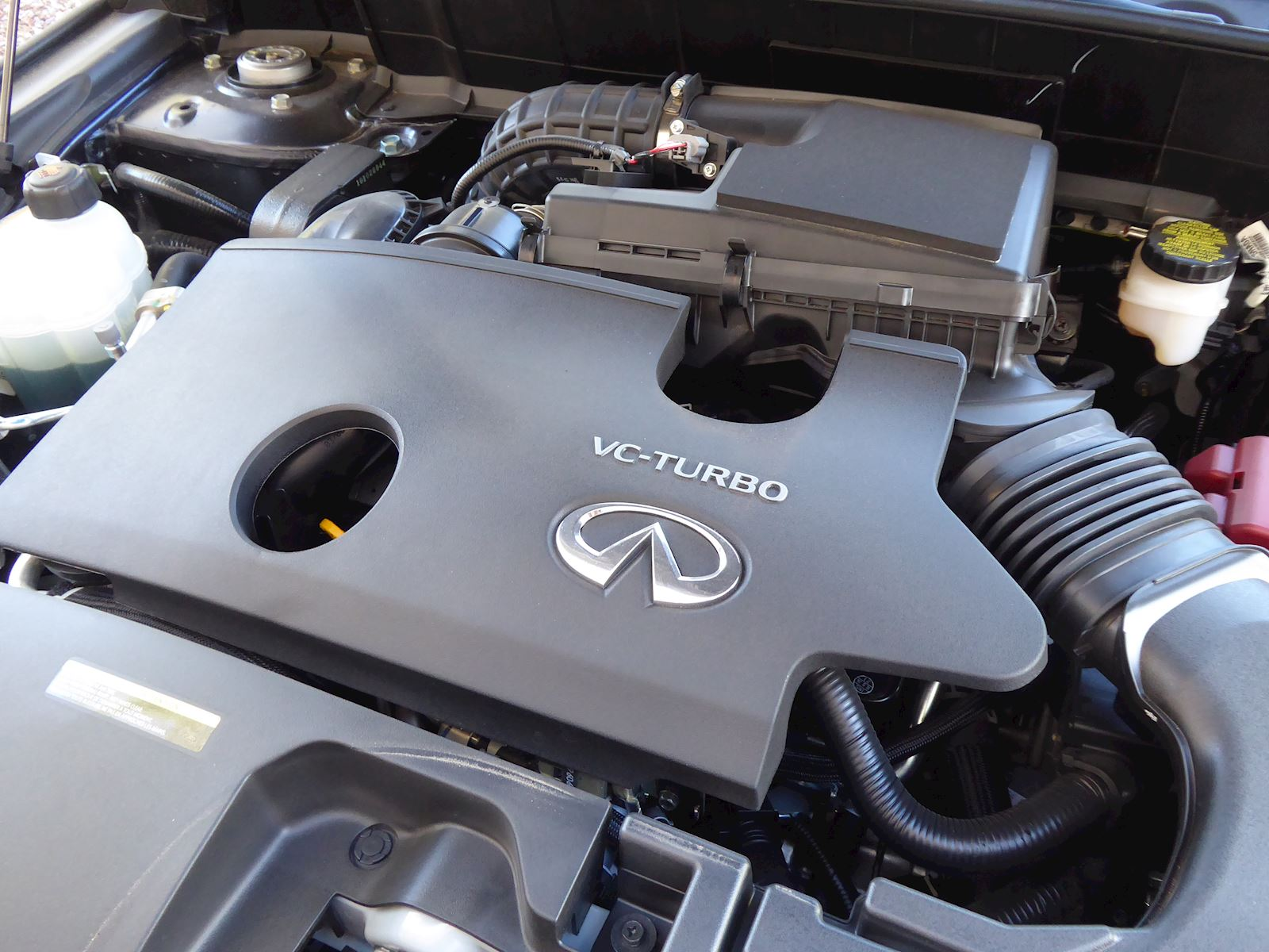 2020 Infiniti QX50 turbocharged variable compression 4 cylinder engine