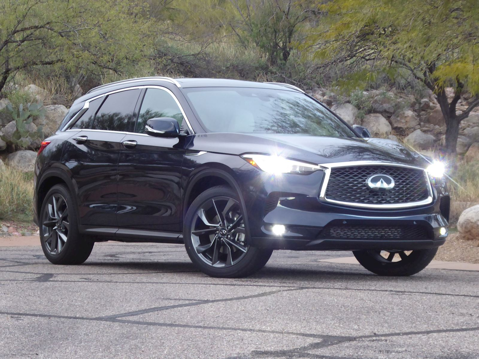 2020 Infiniti QX50 front view