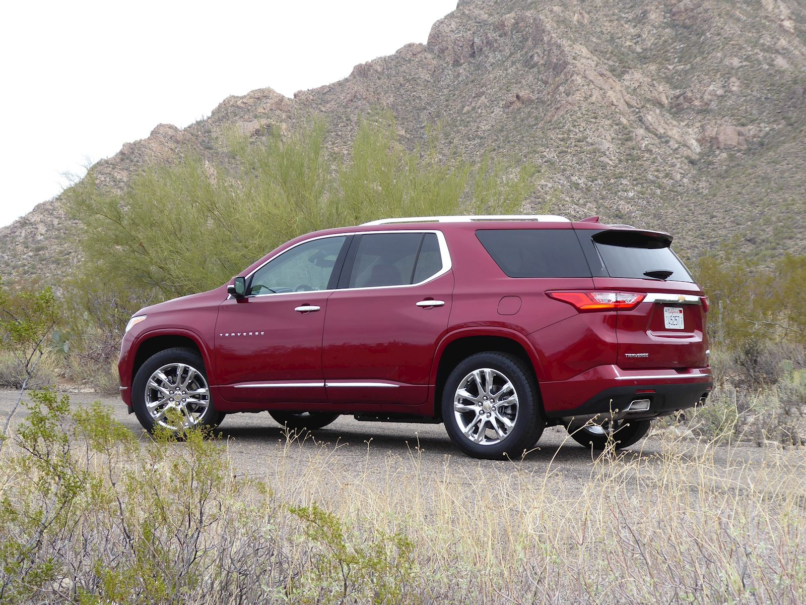 2020 Chevrolet Traverse profile