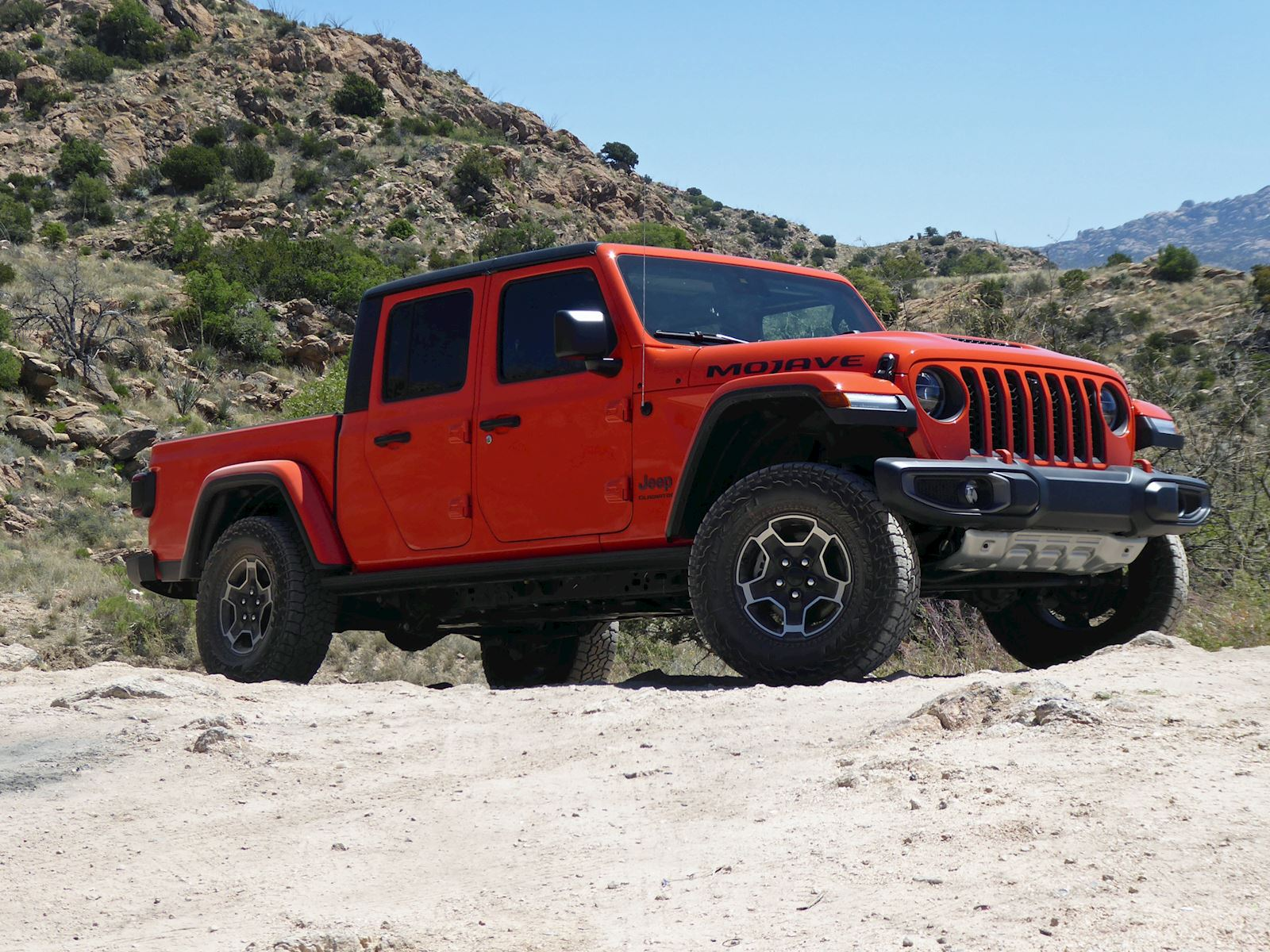 2020 Jeep Gladiator Mojave front and side view