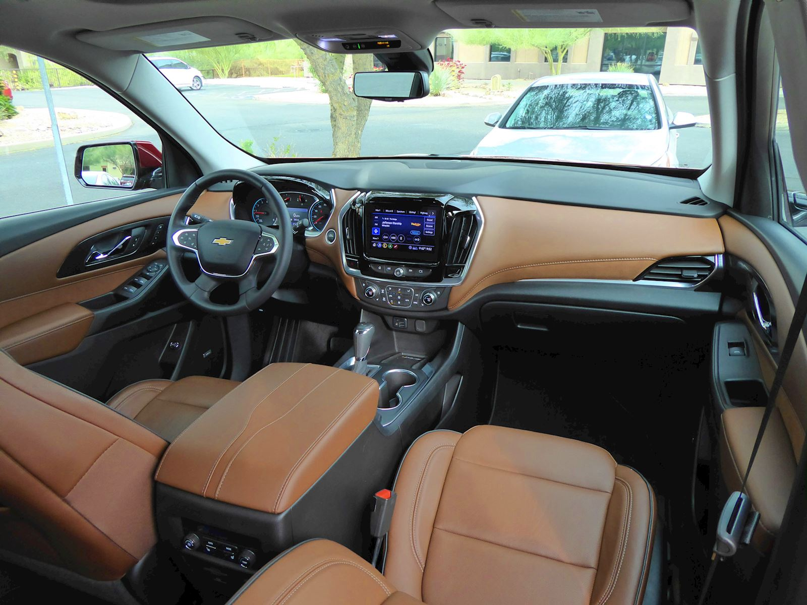 2020 Chevrolet Traverse dash