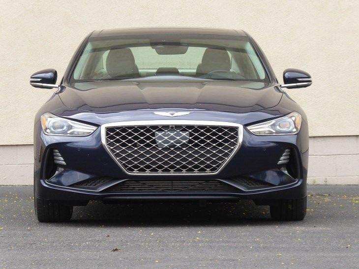 2019 Genesis G70 3.3T front photo