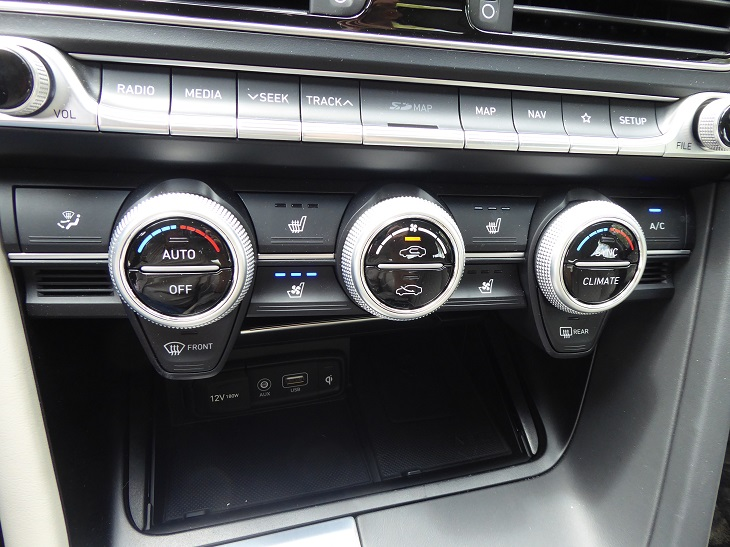 2019 Genesis G70 3.3T climate control system photo