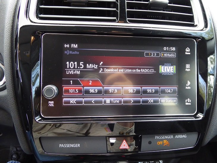 2019 Mitsubishi Outlander Sport GT infotainment system photo