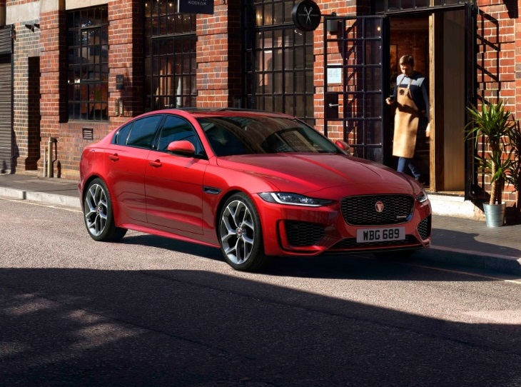 2020 Jaguar XE photo