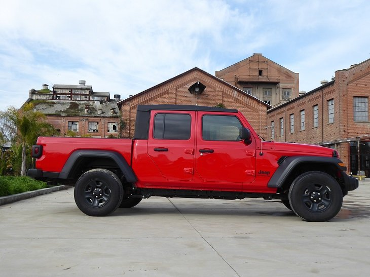2020 Jeep Gladiator photo