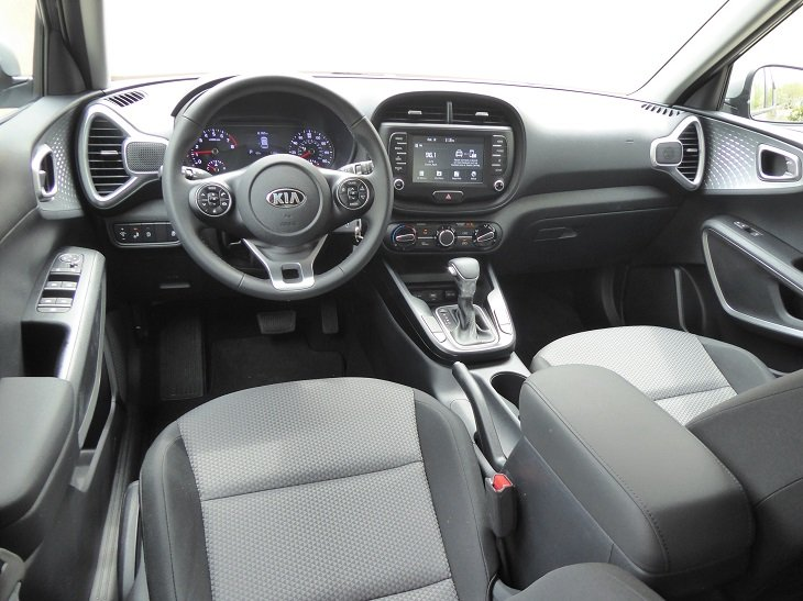 2020 Kia Soul X-Line dash photo