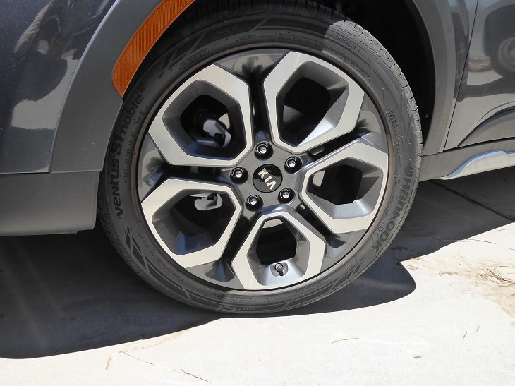 2020 Kia Soul X-Line wheel photo