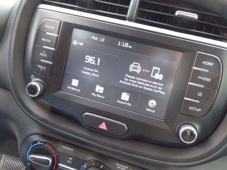 2020 Kia Soul X-Line infotainment system photo