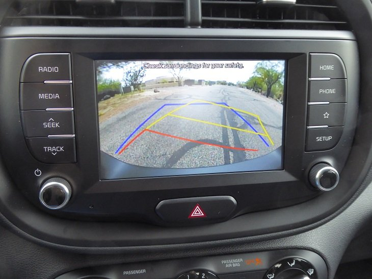 2020 Kia Soul X-Line reversing camera photo