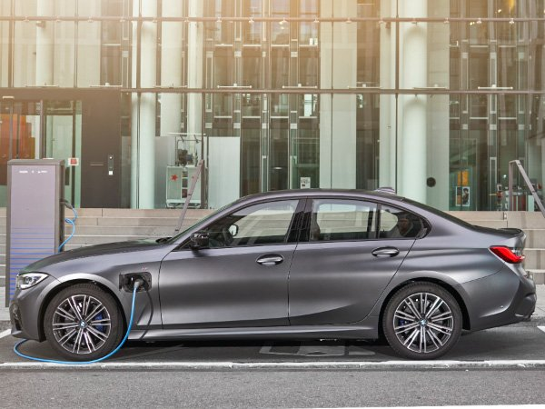 2021 BMW 3 Series Plug-in Hybrid Preview