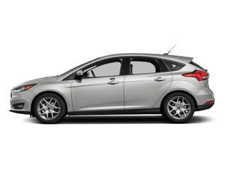 Oxford White 2016 Ford Focus Pictures Focus Hatchback 5D SE EcoBoost I3 Turbo photos side view