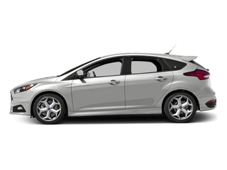 Oxford White 2017 Ford Focus Pictures Focus Hatchback 5D ST I4 Turbo photos side view