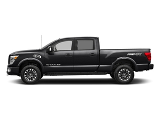 Magnetic Black 2018 Nissan Titan XD Pictures Titan XD Crew Cab PRO-4X 4WD photos side view