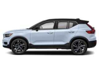 Crystal White Metallic 2019 Volvo XC40 Pictures XC40 T4 FWD R-Design photos side view