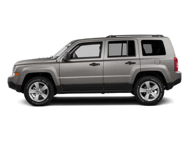 Bright Silver Metallic Clearcoat 2014 Jeep Patriot Pictures Patriot Utility 4D Latitude 4WD photos side view