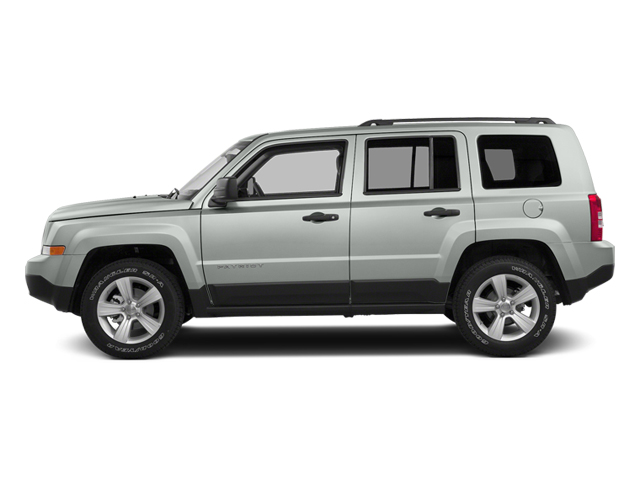 Bright White Clearcoat 2014 Jeep Patriot Pictures Patriot Utility 4D Latitude 4WD photos side view