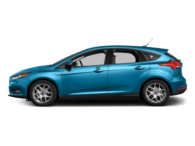 Blue Candy Metallic Tinted Clearcoat 2017 Ford Focus Pictures Focus Hatchback 5D SE I4 photos side view