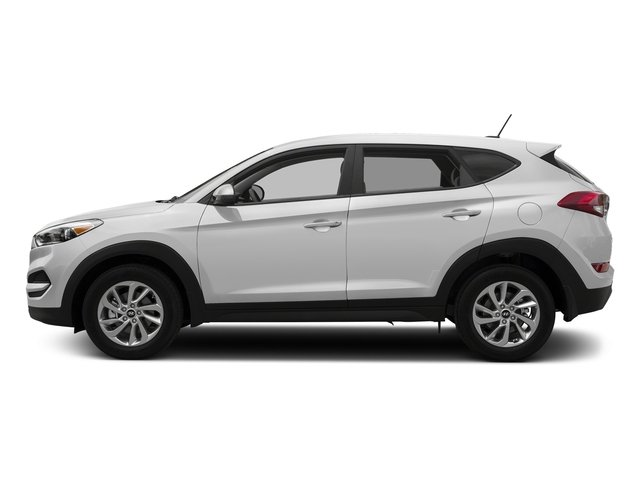 Winter White 2017 Hyundai Tucson Pictures Tucson SE AWD photos side view