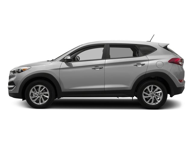 Molten Silver 2017 Hyundai Tucson Pictures Tucson SE AWD photos side view