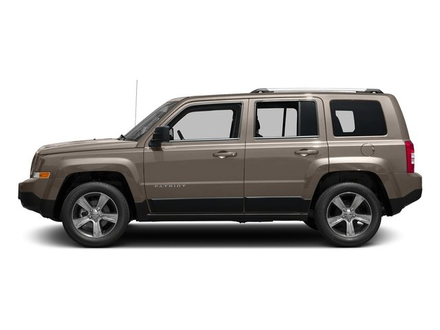 Mojave Sand Clearcoat 2017 Jeep Patriot Pictures Patriot Latitude FWD photos side view