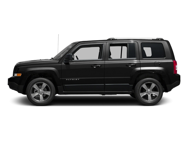 Black Clearcoat 2017 Jeep Patriot Pictures Patriot Latitude FWD photos side view
