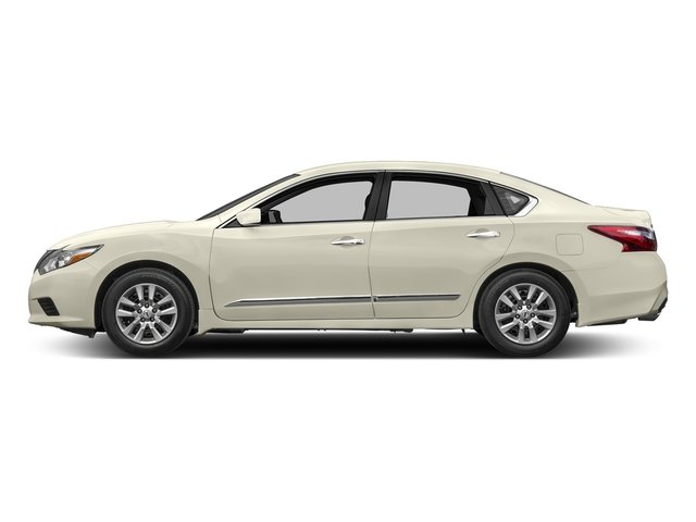 Pearl White 2017 Nissan Altima Pictures Altima 2.5 SV Sedan photos side view
