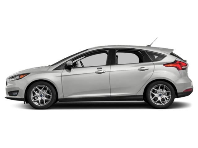 Oxford White 2018 Ford Focus Pictures Focus SEL Hatch photos side view