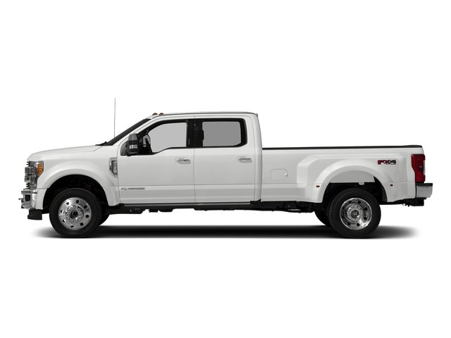 Oxford White 2018 Ford Super Duty F-450 DRW Pictures Super Duty F-450 DRW Crew Cab King Ranch 2WD T-Diesel photos side view