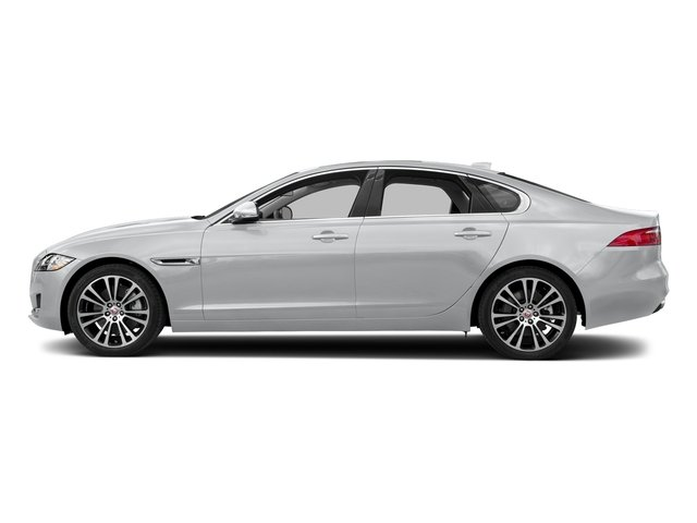 Yulong White Metallic 2018 Jaguar XF Pictures XF Sedan 30t Prestige RWD photos side view