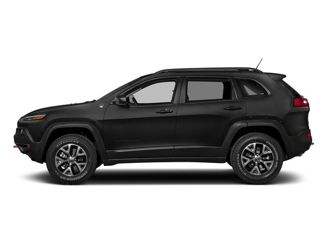 Diamond Black Crystal Pearlcoat 2018 Jeep Cherokee Pictures Cherokee Utility 4D Trailhawk 4WD photos side view