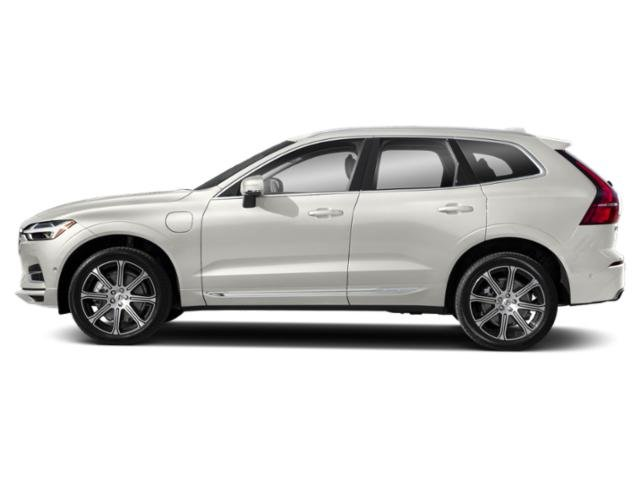 Crystal White Metallic 2018 Volvo XC60 Pictures XC60 Utility 4D T8 Inscription AWD photos side view