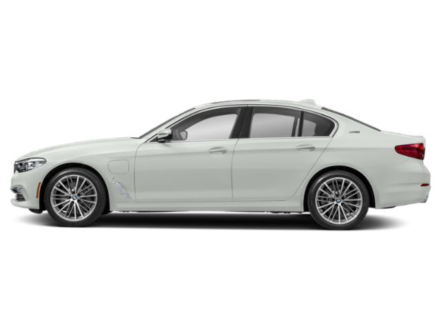Alpine White 2019 BMW 5 Series Pictures 5 Series 530e xDrive iPerformance Plug-In Hybrid photos side view