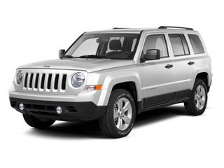 Bright White 2013 Jeep Patriot Pictures Patriot Utility 4D Limited 2WD photos front view