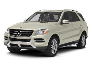 Diamond White Metallic 2013 Mercedes-Benz M-Class Pictures M-Class Utility 4D ML350 BlueTEC AWD photos front view