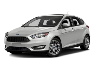 Oxford White 2016 Ford Focus Pictures Focus Hatchback 5D SE EcoBoost I3 Turbo photos front view