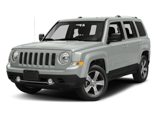 Bright White Clearcoat 2017 Jeep Patriot Pictures Patriot Latitude FWD photos front view