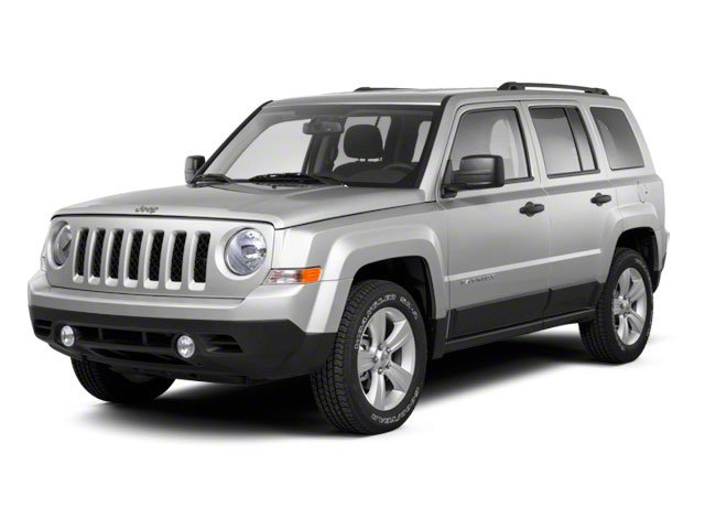 Bright Silver Metallic 2012 Jeep Patriot Pictures Patriot Utility 4D Sport 2WD photos front view