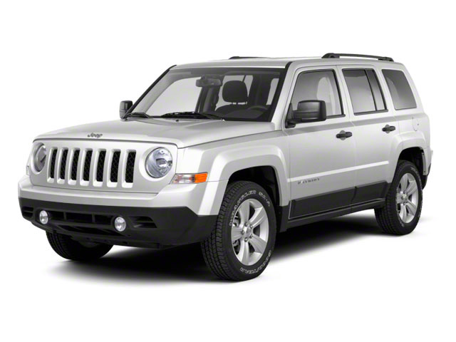 Bright White 2012 Jeep Patriot Pictures Patriot Utility 4D Limited 2WD photos front view