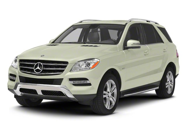 Arctic White 2013 Mercedes-Benz M-Class Pictures M-Class Utility 4D ML350 BlueTEC AWD photos front view