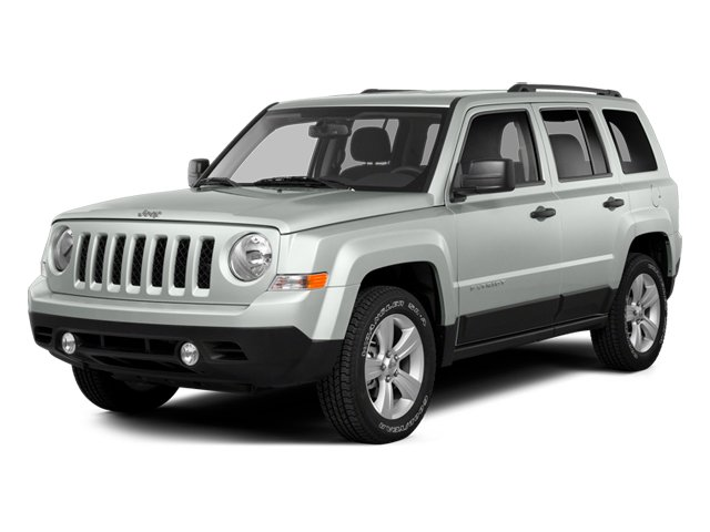 Bright White Clearcoat 2014 Jeep Patriot Pictures Patriot Utility 4D Latitude 4WD photos front view