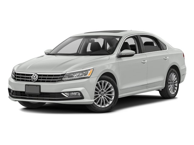 Pure White 2016 Volkswagen Passat Pictures Passat Sedan 4D SE Technology I4 Turbo photos front view
