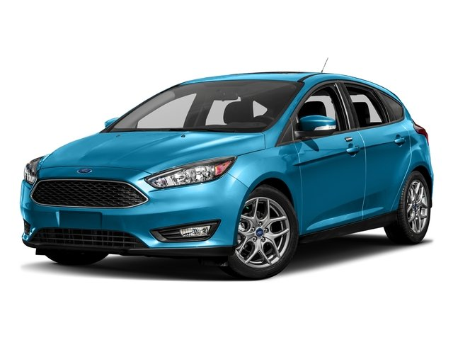 Blue Candy Metallic Tinted Clearcoat 2017 Ford Focus Pictures Focus Hatchback 5D SE I4 photos front view