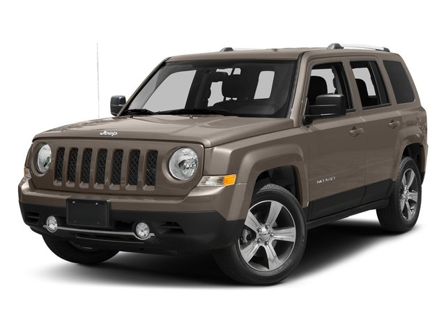 Mojave Sand Clearcoat 2017 Jeep Patriot Pictures Patriot Latitude FWD photos front view
