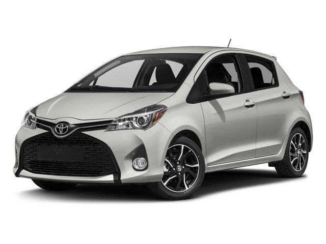 Classic Silver Metallic 2017 Toyota Yaris Pictures Yaris Hatchback 5D SE I4 photos front view