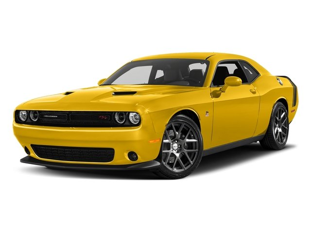 Yellow Jacket Clearcoat 2018 Dodge Challenger Pictures Challenger R/T Scat Pack RWD photos front view