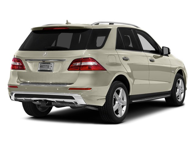 Diamond White Metallic 2012 Mercedes-Benz M-Class Pictures M-Class Utility 4D ML550 AWD photos rear view